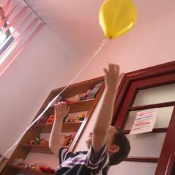 Centrul AITA - un loc prietenos, unde invatam si ne jucam cu un singur scop - sa invingem autismul!