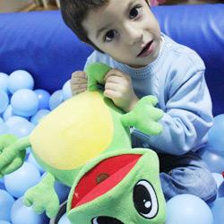Autism Albastru -Semnele Autismului - Psiholog Daniela (Martinescu) Gavankar (Asoc. AITA)