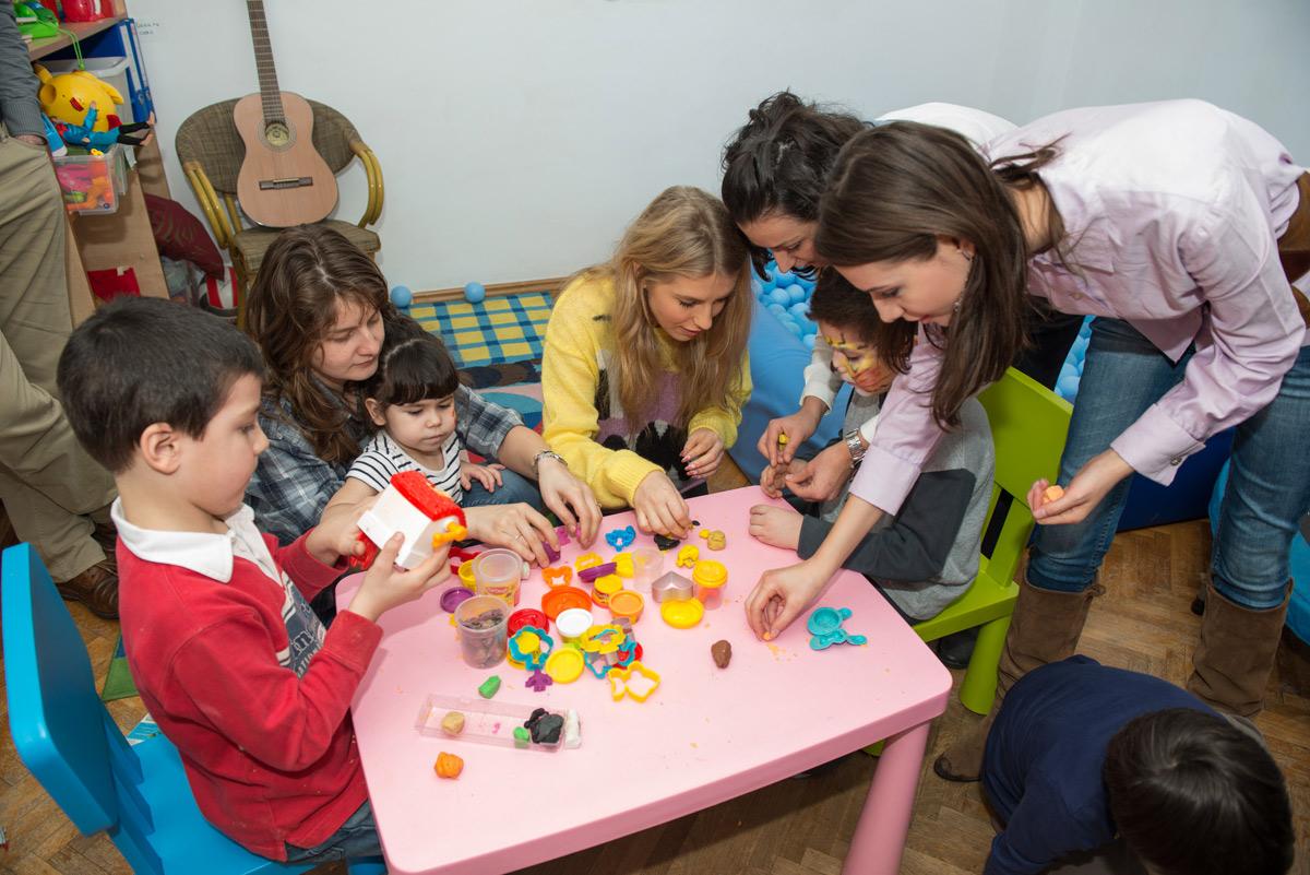Sun Plaza vine din nou în ajutorul copiilor cu autism de la Centrul AITA